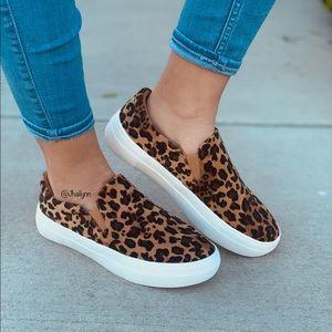 HP 😍 Soft Leopard print  slip on sneaker